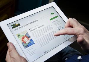Ljudböcker kan hyras genom olika abonnemangstjänster eller lånas på biblioteken. Foto: Linda Åkerström.