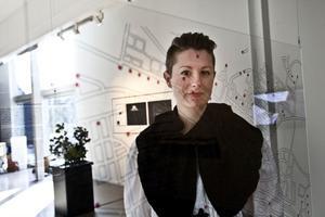 Johanna Adebäck har gjort kartor över Gävlefakta vi vanligen bortser från. Hennes kartverktyg öppnar för en mängd alternativa stadsvandringar in i ett Gävle du inte visste fanns.