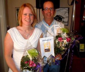 Camilla Mattsson och Rolf Bejerfjord har varit medlemmar i Gårdskärs IF i 25 år och de båda jubilarerna fick blommor och standar vid årsfesten i Föreningshuset i Gårdskär under lördagen.