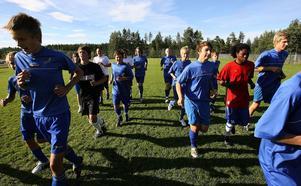 På väg mot nya mål. IFK Sundsvalls ungdomar bryter sig loss från moderföreningen och skapar en egen klubb, med skiljd ekonomi, styrelse och verksamhet.