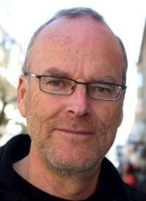 Sven Vikberg, 58 år, Odensala:– Ja. De är trivsamma djur, de är bra sällskap. De är självständiga och klarar sig alltid, i vått och torrt. Jag hade katt när jag växte upp.