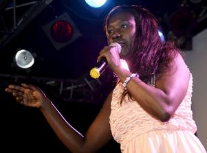 Victoria Kawesa (Fi).