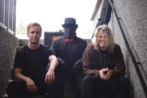 NYA. Adam Kimby (till vänster),  på gitarr och Jesper Gustafsson (höger) på sång är nykomlingarna i Beautytown.