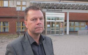 Conny Jonsson, personalchef på TRV i Borlänge, framhåller miljöaspekten som viktig faktor bakom införande av parkeringsavgifter. Foto: Roland Engvall