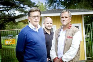 Tränarkändisarna Pelle Olsson, GIF, Tommy Jonsson, Brynäs, och Thony Lindqvist, tidigare SAIK och numera Dynamo Moskva, är alla tre fostrade i Skutskärsidrotten och har haft Skutskärs ip som sitt andra hem.