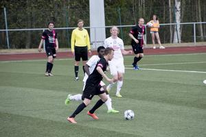 Philip Olofsson återvände till Ånge IP och visade sitt IFK Timrå vägen från elva meter i Medelpadsderbyt.