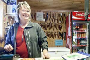 Inger Långström driver Blåsjöns fjällcamp och är van vid hårda vindar.