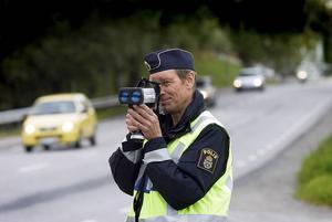 Hastighetskontrollerna ska intensifieras under påsken längs E4, E14 och riksväg 83.