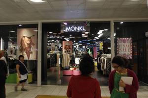 Monki har gått igenom sina butiker i Sverige och har beslutat att stänga butiken i Östersund den 13 september, samt en av butikerna i Malmö.