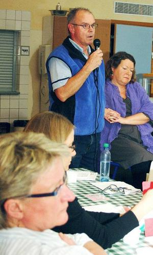 Enligt Leif Nord (M) ska en ny skolchefsrekrytering göras.Tills dess får Lena Modigh Larsson, närmast, sköta tre jobb.Foto: Elisabet Rydell-Janson