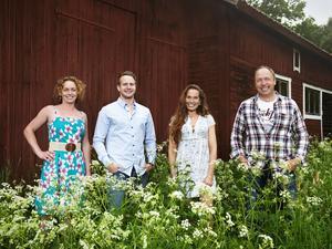 Bönderna Jennifer Erlandsson, Erik Bäckman, Sigrid Bergåkra och Per Sundin söker kärleken i TV4.