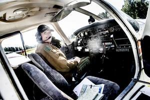 Malin Ekberg är en av fyra medlemmar i Skybirds som bjöd på en häftig uppvisning i formationsflygning.