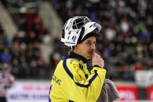 Jakob Säleby jagas av Vetlanda. Här är en bild från semifinalserien mellan Villa och SAIK för tre år sedan.