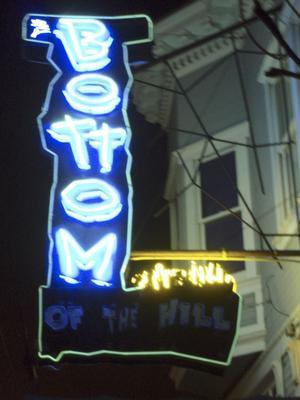 Den lilla rockklubben Bottom of the hill är värd ett besök om man vill kolla in vad som är nytt på rock- och punkscenen.