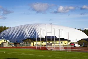 Fotbollshallen i Ljusdal döps till BL arena.