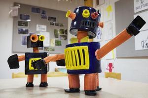 Emil Österholms egna robotskulpturer.