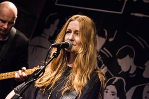 Anna Stadling blandade kvällen med bland annat egenskrivna låtar och låtar av legendaren Johnny Cash.