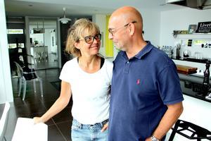Camilla och Björn stortrivs i sitt hus.