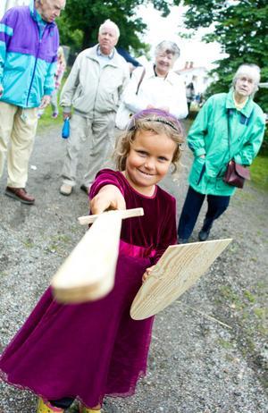 Lilja Westin, 5 år från Holmsveden, är en prinsessriddare under medeltidsdagen.