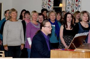 Organist i Säters församling sedan ett år tillbaka är Dan Eiderfors som kommer från Västerås där han bland annat ingår i gospelkören Body & Soul.