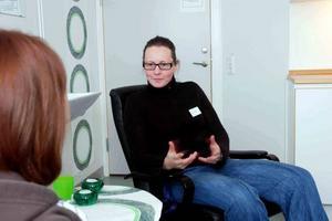 KÄNSLOR. Psykolog Tove Lundberg jobbar mycket med känslor och relationer då hon samtalar med ungdomarna.