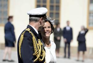 8 juni 2014: Sofia Hellqvist lämnar Slottskyrkan på Drottningholms slott efter prinsessan Leonores dop.