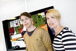 Videokonstens bästa vänner. Johan Anderung och Hanna Krantz hoppas särskilt att filmintresserade gymnasieungdomar hittar till festivalen som pågår under två dagar på Silvanum i Gävle.