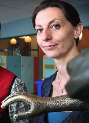 Lärarnas Riksförbunds distriktsordförande Duska Jansson Dobrota uppmanar länets kommuner att gå från ord till handling. Speciellt kommunerna med lärarlöner i absoluta Sverigebotten.