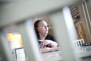 Marie Åkerlunds kropp har börjat säga ifrån efter 25 år inom äldreomsorgen.