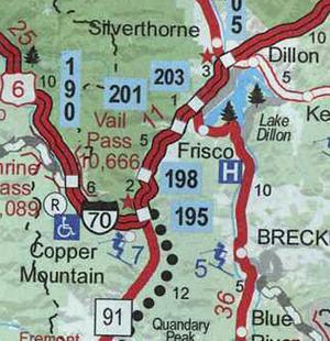 Några mil öster om Denver i Colorado ligger de i dag populära skidturismorterna Vail och Copper Mountain. Där ligger också samhället Frisco som på 1970-talet grundades av tre bröder från Leksand som hittat stora guld- och silverfyndigheter i de mineralrika Klippiga bergen.