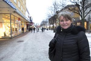 Susanne Sakofall upplever att det lokala butikslivet nu går på offensiven och att idéer som söndagsöppet och en Ludvikaportal på internet har möjligheter att omsättas i praktisk verklighet.