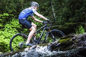 Det blir en hel del träning på mountainbike för Patrik Sandell mellan tävlingarna borta i USA.