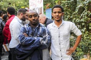 Hoilemariam Getachew och Abdarazak Humed, båda från Hede, var några av de arbetssökande som samlades på Storhogna.