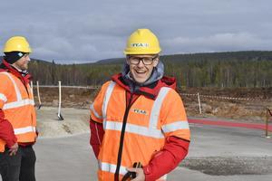 Fredrik Rydén på Skistar avböjde att ta ett spadtag extra för media. Istället kommer Skistars ledning och näringslivsminister Mikael Damberg att finnas på plats för det.