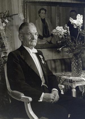 FOTO: ELVÉNDirektör J L Owén var intresserad av såväl sågbågsuppfinningar som skogs- och jordbrukstekniska frågor.