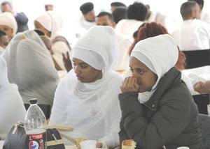 Över 300 eritreaner från Gävle, Sandviken, Bollnäs, Motala, Stockholm, Avesta och Sundsvall har kommit till Ockelbo för att delta i högtiden.