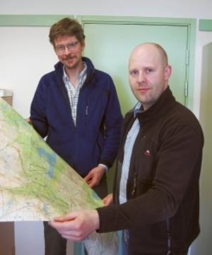 Jens Andersson och Urban Johansson vid länsstyrelsen ansvarar för hur fisket sköts i vår fjällvärld.