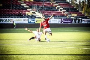 Ismael Strömstedt hade den fetaste chansen att avgöra den tillknäppta matchen mellan IFK Östersund och Ånge. Matchen slutade dock 0–0.