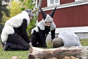 Personalen framförde Bockarna Bruse för barn och föräldrar i går. Här syns Lovisa Magnusson, Elin Andersson och Angelica Enander.