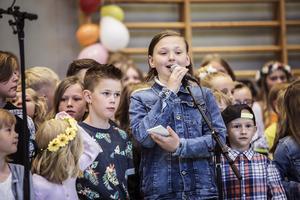 Einar Assis lotsade publiken genom  dagens program.