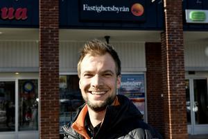 Mikael Olsson, Fastighetsbyrån