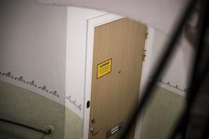 Polisen misstänker att brottsplatsen är parets gemensamma lägenhet.