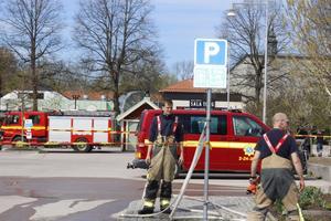 Att förbereda med brandslang och ta vatten från Ekebydammar tränade räddningstjänsten på redan innan förra årets sommartorka.