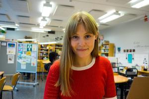 Josefine Persson är inte rädd att säga vad hon tycker och står upp för människor.