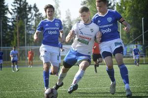 Oskar Nordlund stångar sig fram. 2018 blev det 29 mål på 26 matcher för Timråforwarden, 2019 blev hans facit 26 mål på 22 matcher.