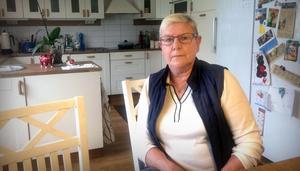 Yvonne Hermansson är drabbad av basalcellcancer och har fått en remiss till hudkliniken, men får ingen tid.