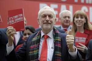 Jeremy Corbyn, partiledare för Storbritanniens största oppositionsparti socialdemokratiska Labour och dess kandidat som premiärminister. Foto: AP Photo / Kirsty Wigglesworth.