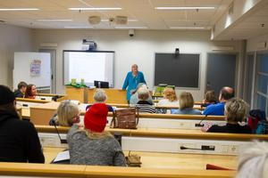På CFL i Söderhamn  fylldes lektionssalen med besökare som ville lära sig mer och diskutera om boken.