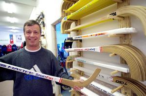 Håkan Hedman efter SportEwas flytt till en ny större lokal i Sundborn 2001. Foto: Kjell Jansson