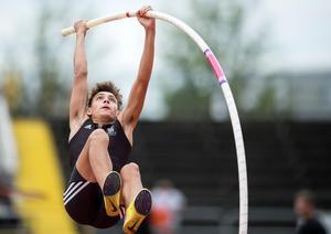 Armand Duplantis, här under SM-veckan i Borås förra året, satte nytt juniorvärldsrekord natten till lördag. Bild: TT